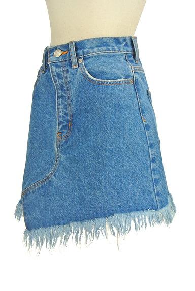 MOUSSY(マウジー)の古着「裾フリンジデニムスカート(ミニスカート)」大画像3へ