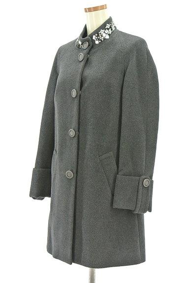 Blumarine(ブルマリン)の古着「ビジュー付Aラインミドル丈コート(コート)」大画像3へ