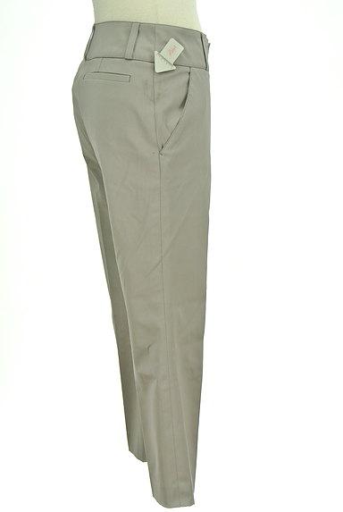 TOMORROWLAND(トゥモローランド)の古着「無地微光沢クロップドパンツ(パンツ)」大画像4へ