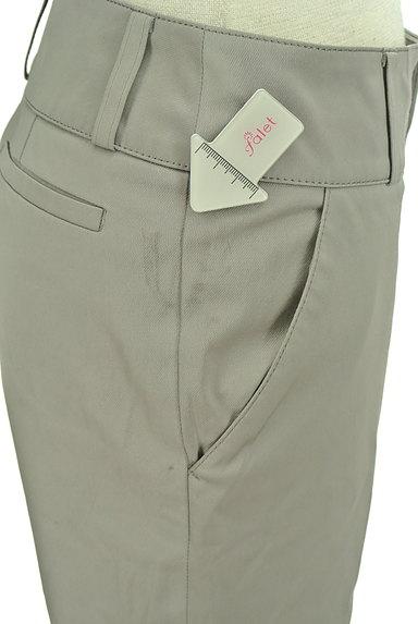 TOMORROWLAND(トゥモローランド)の古着「無地微光沢クロップドパンツ(パンツ)」大画像5へ