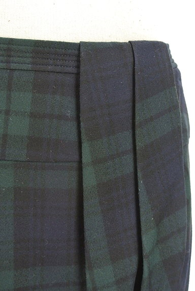 TOMORROWLAND(トゥモローランド)の古着「チェック柄膝上タイトスカート(ミニスカート)」大画像4へ