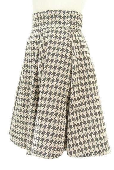 RD ROUGE DIAMANT(アールディー ルージュ ディアマン)の古着「千鳥格子タックフレアスカート(スカート)」大画像3へ