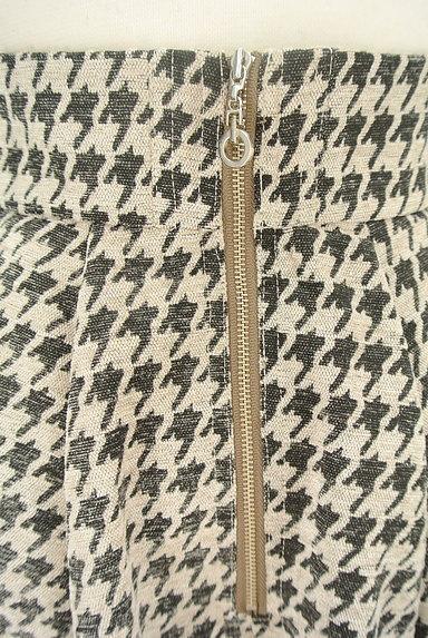 RD ROUGE DIAMANT(アールディー ルージュ ディアマン)の古着「千鳥格子タックフレアスカート(スカート)」大画像4へ
