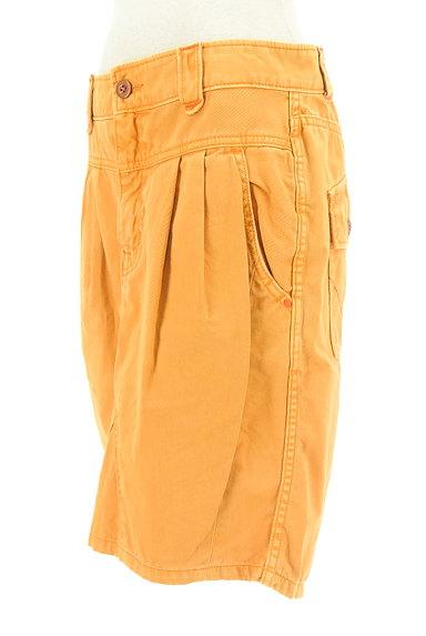 CUBE SUGAR(キューブシュガー)の古着「タックカラーデニムスカート(スカート)」大画像3へ