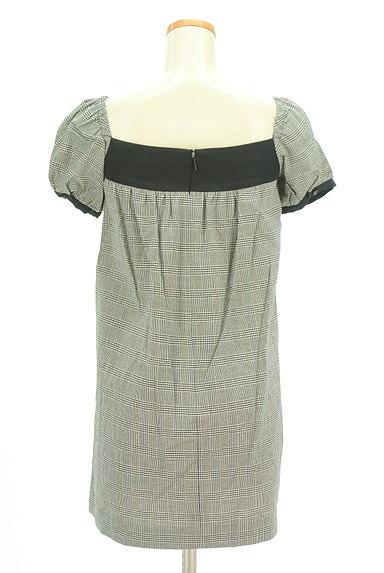 MOROKO BAR(モロコバー)の古着「パフ袖チェックチュニック(カットソー・プルオーバー)」大画像2へ