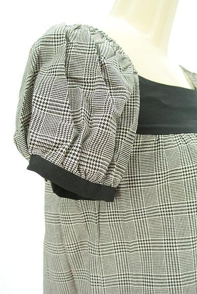 MOROKO BAR(モロコバー)の古着「パフ袖チェックチュニック(カットソー・プルオーバー)」大画像4へ