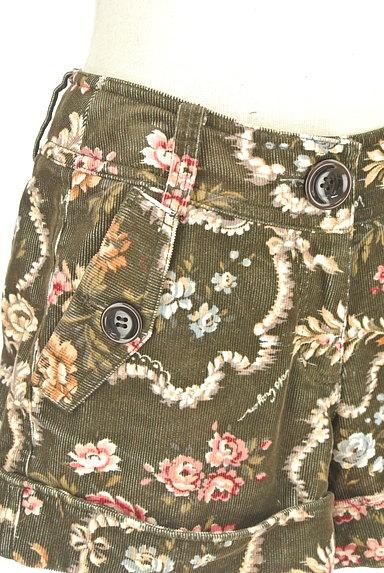 Lois CRAYON(ロイスクレヨン)の古着「コーデュロイ花柄ショートパンツ(ショートパンツ・ハーフパンツ)」大画像4へ