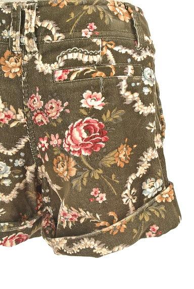 Lois CRAYON(ロイスクレヨン)の古着「コーデュロイ花柄ショートパンツ(ショートパンツ・ハーフパンツ)」大画像5へ