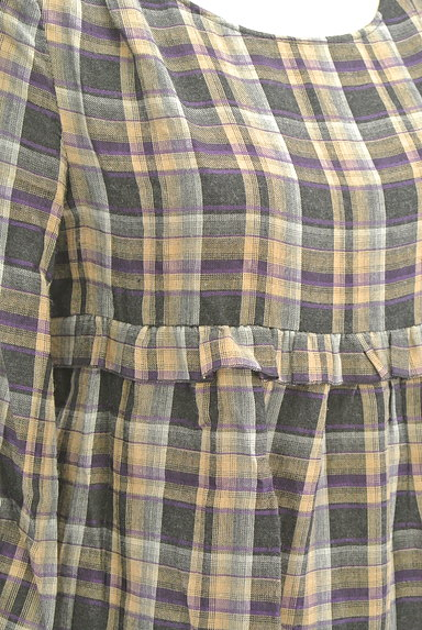 PROPORTION BODY DRESSING(プロポーションボディ ドレッシング)の古着「チェック柄7分袖ペプラムカットソー(カットソー・プルオーバー)」大画像4へ