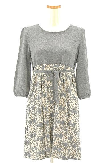 Lois CRAYON(ロイスクレヨン)の古着「刺繍ベスト付き7分袖ニットワンピ(ツーピース(ジャケット+ワンピース))」大画像4へ