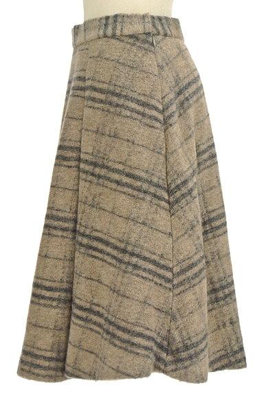 ROSSO(ロッソ)の古着「タックフレアニットスカート(スカート)」大画像3へ