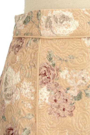 PROPORTION BODY DRESSING(プロポーションボディ ドレッシング)の古着「エンボス花柄台形ミニスカート(ミニスカート)」大画像4へ