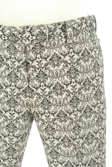 UNITED ARROWS(ユナイテッドアローズ)の古着「ダマスク柄センタープレスパンツ(パンツ)」大画像4へ