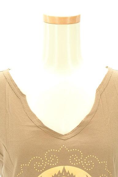 VIVIENNE TAM(ヴィヴィアンタム)の古着「カットオフプリントTシャツ(Tシャツ)」大画像4へ