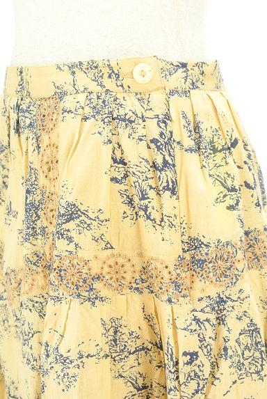 TABASA(タバサ)の古着「刺繍+総柄フレアスカート(スカート)」大画像4へ