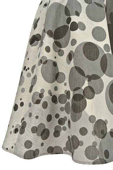 LAUTREAMONT(ロートレアモン)の古着「ドット柄膝丈フレアスカート(スカート)」大画像4へ