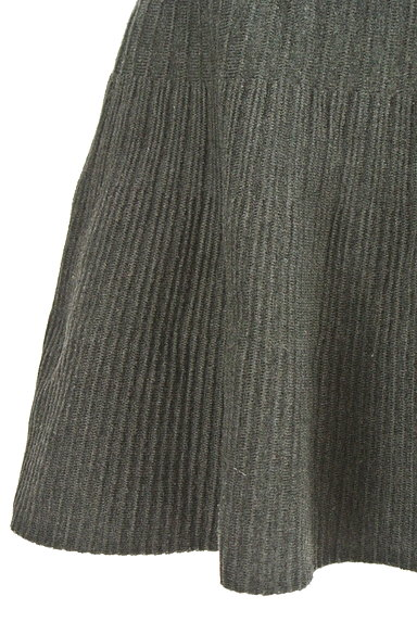 Feroux(フェルゥ)の古着「ニット編地サーキュラースカート(ミニスカート)」大画像5へ