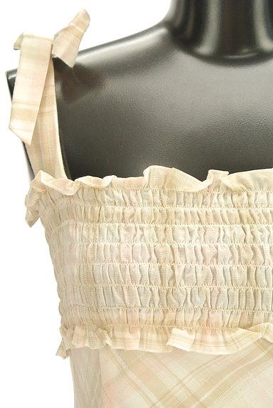 Feroux(フェルゥ)の古着「リボン&フリル膝丈キャミワンピ(キャミワンピース)」大画像4へ