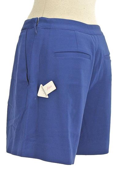 ROPE(ロペ)の古着「タックフレアショートパンツ(ショートパンツ・ハーフパンツ)」大画像4へ
