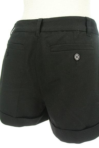 BLACK BY MOUSSY(ブラックバイマウジー)の古着「シンプルロールアップショートパンツ(ショートパンツ・ハーフパンツ)」大画像4へ