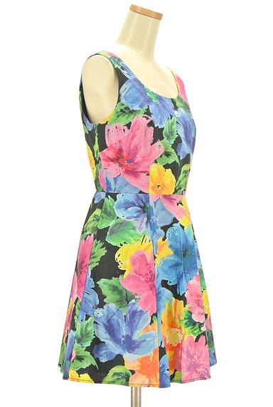rienda(リエンダ)の古着「カラフル花柄フレアミニワンピース(キャミワンピース)」大画像3へ