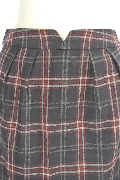 MISCH MASCH(ミッシュマッシュ)の古着「チェック柄ウールセミタイトスカート(スカート)」大画像4へ