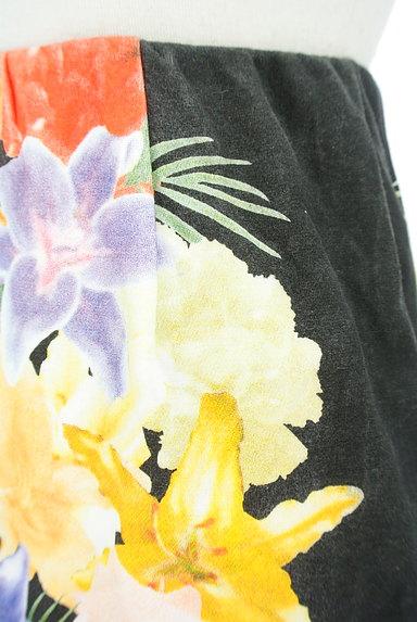 rienda(リエンダ)の古着「カラー花柄タイトミニスカート(ミニスカート)」大画像4へ