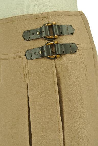 BURBERRY BLUE LABEL(バーバリーブルーレーベル)の古着「ベルトデザインボックスプリーツスカート(ミニスカート)」大画像4へ