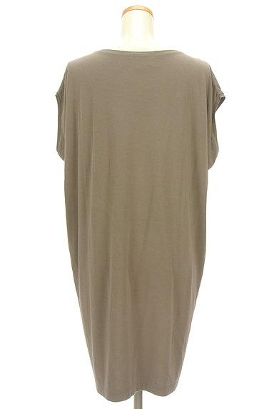 LAPIS LUCE(ラピスルーチェ)の古着「シンプル膝下丈カットソーワンピ(ワンピース・チュニック)」大画像2へ