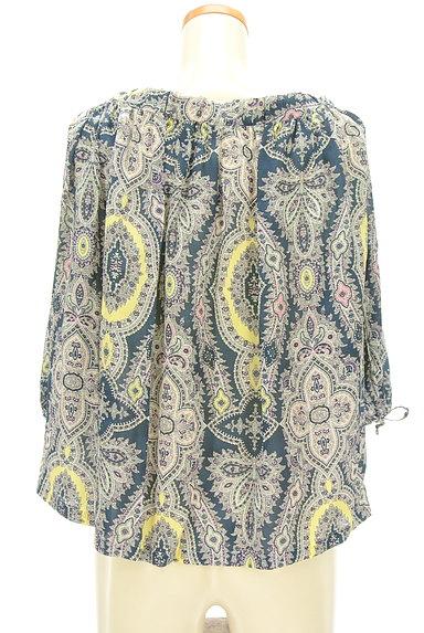 Aquascutum(アクアスキュータム)の古着「ペイズリー柄七分袖ブラウス(カットソー・プルオーバー)」大画像2へ