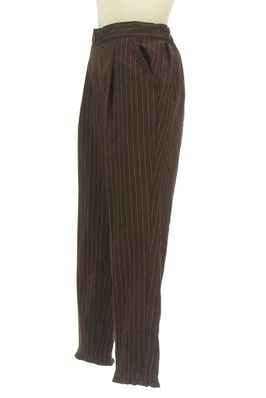 axes femme(アクシーズファム)の古着「裾フリルストライプ柄アンクル丈パンツ(パンツ)」大画像3へ