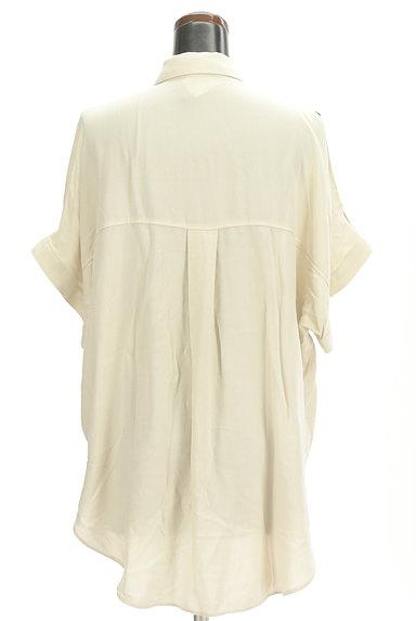 MOUSSY(マウジー)の古着「オープンショルダーワイドシャツ(カジュアルシャツ)」大画像2へ