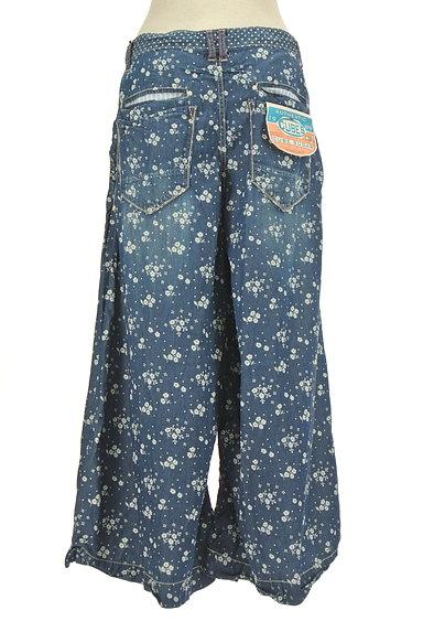 CUBE SUGAR(キューブシュガー)の古着「小花柄ダンガリーワイドパンツ(パンツ)」大画像2へ