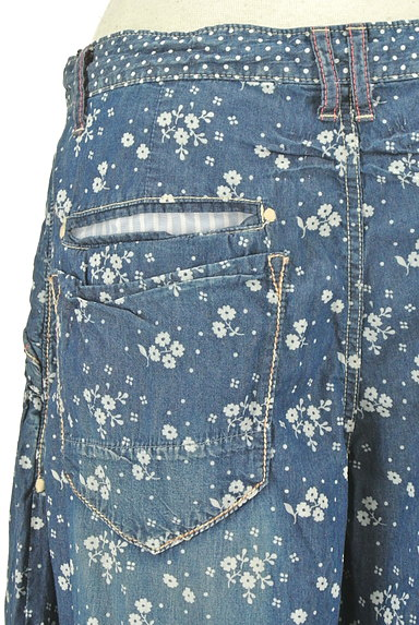 CUBE SUGAR(キューブシュガー)の古着「小花柄ダンガリーワイドパンツ(パンツ)」大画像5へ