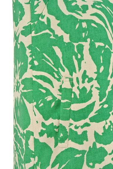 NATURAL BEAUTY BASIC(ナチュラルビューティベーシック)の古着「リゾート花柄Iラインワンピース(ワンピース・チュニック)」大画像5へ