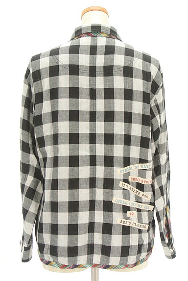 drug store's(ドラッグストアーズ)の古着「ブタワッペン付きチェック柄シャツ(カジュアルシャツ)」大画像2へ