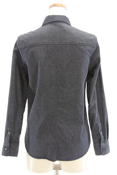 INDIVI(インディヴィ)の古着「シンプルカジュアルシャツ(カジュアルシャツ)」大画像2へ