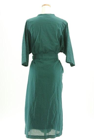 HUMAN WOMAN(ヒューマンウーマン)の古着「刺繍ドルマン袖ロングワンピース(ワンピース・チュニック)」大画像2へ