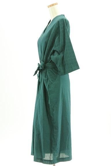 HUMAN WOMAN(ヒューマンウーマン)の古着「刺繍ドルマン袖ロングワンピース(ワンピース・チュニック)」大画像3へ