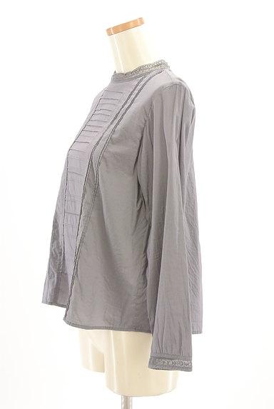 HUMAN WOMAN(ヒューマンウーマン)の古着「バックタック刺繍ブラウスカットソー(カットソー・プルオーバー)」大画像3へ