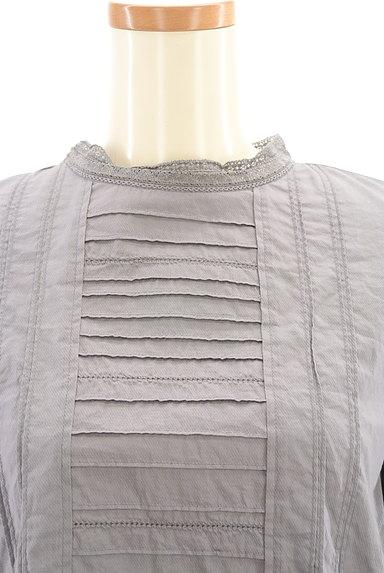 HUMAN WOMAN(ヒューマンウーマン)の古着「バックタック刺繍ブラウスカットソー(カットソー・プルオーバー)」大画像4へ