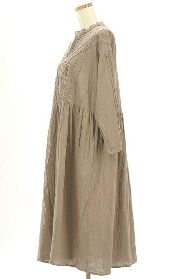 SM2(サマンサモスモス)の古着「レースピンタックロングワンピース(ワンピース・チュニック)」大画像3へ