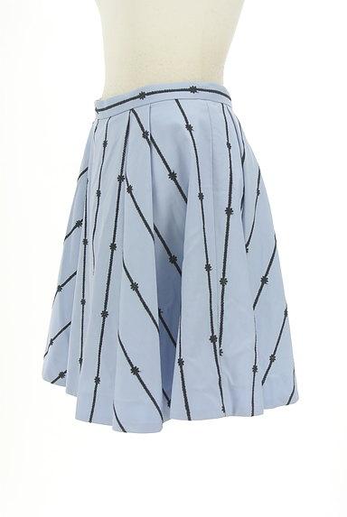 Rirandture(リランドチュール)の古着「花刺繍膝上丈フレアスカート(スカート)」大画像3へ