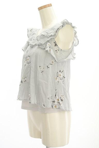 Snidel(スナイデル)の古着「花柄フリルティアードトップス(カットソー・プルオーバー)」大画像3へ