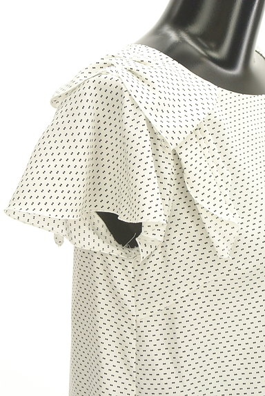 UNIVERVAL MUSE(ユニバーバルミューズ)の古着「リボン付きフレア袖総柄カットソー(カットソー・プルオーバー)」大画像4へ