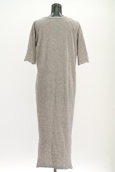 Cloth&Cross(クロス&クロス)の古着「7分袖サイドスリットマキシワンピ(ワンピース・チュニック)」大画像2へ