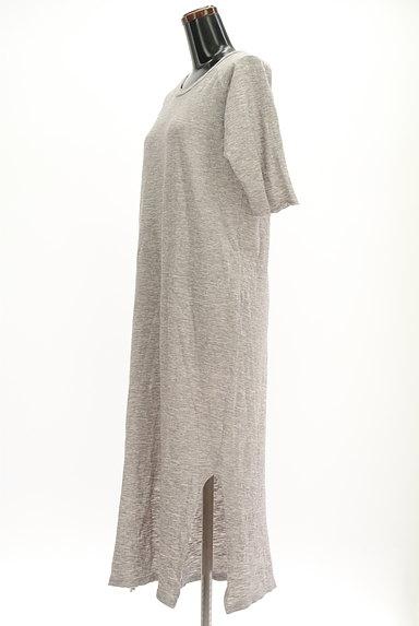 Cloth&Cross(クロス&クロス)の古着「7分袖サイドスリットマキシワンピ(ワンピース・チュニック)」大画像3へ