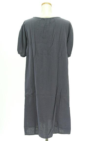 SM2(サマンサモスモス)の古着「刺繍シャーリングヨークワンピース(ワンピース・チュニック)」大画像2へ