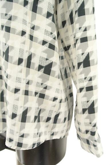 LAUTREAMONT(ロートレアモン)の古着「チェック×千鳥格子柄キーネックカットソー(ブラウス)」大画像5へ