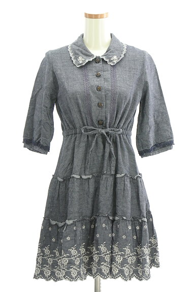 axes femme(アクシーズファム)の古着「刺繍デニム風フレアワンピース(ワンピース・チュニック)」大画像1へ